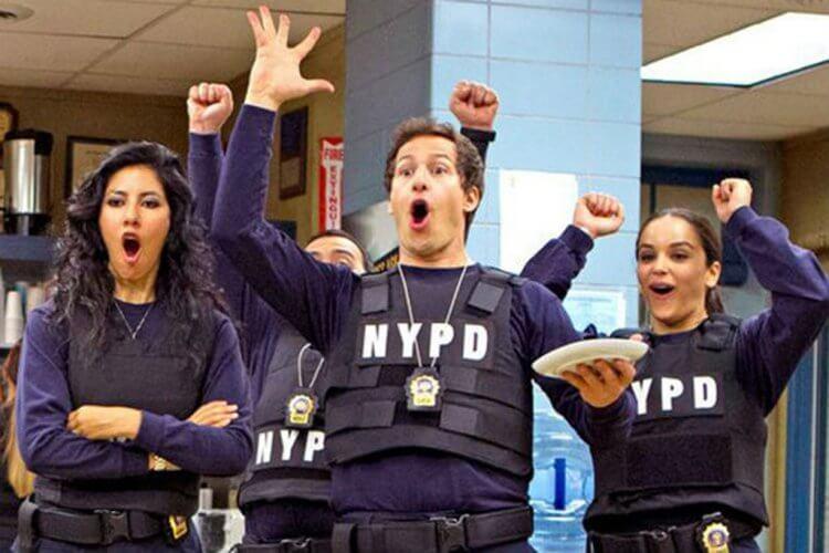 熱門搞笑影集《荒唐分局》(Brooklyn Nine-Nine) 劇照,最新第七季已確認續約,即將推出。