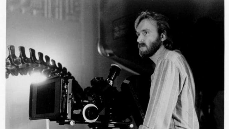 拍攝科幻怪物電影續集《異形 2》時的詹姆斯卡麥隆。