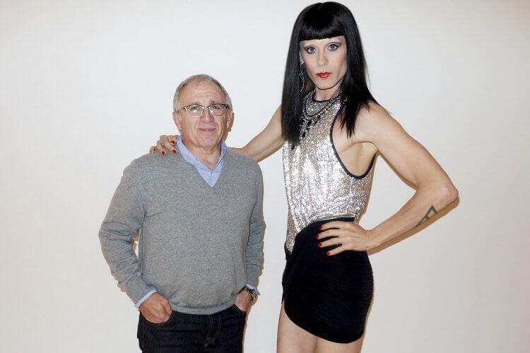 傑瑞德雷托(右)在 2013 年《藥命俱樂部》中飾演變性人,這個角色讓他獲得了奧斯卡最佳男配角的殊榮。