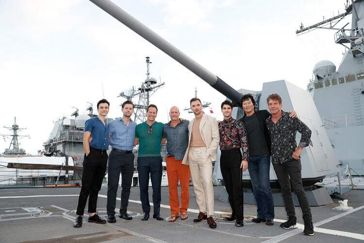 《決戰中途島》卡司包括:路克伊凡斯、派翠克威爾森、伍迪哈里遜、丹尼斯奎德等人