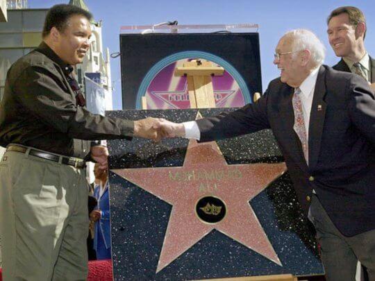 拳王阿里 (Muhammad Ali) 獲頒星星