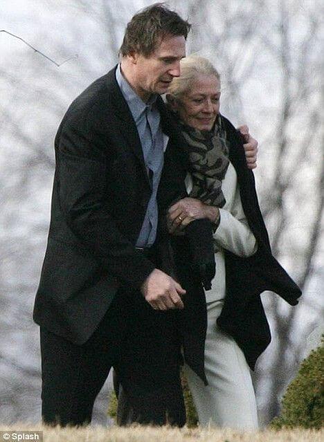 蕾格烈芙與連恩尼遜。