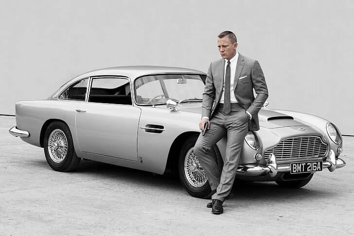 事隔多年,《007:空降危機》中丹尼爾克雷格飾演的特務龐德依然珍惜使用的 DB5。