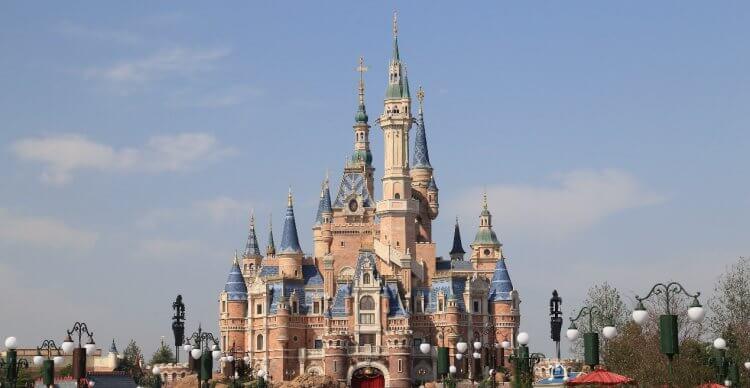 上海迪士尼樂園為艾斯納的賠罪條件