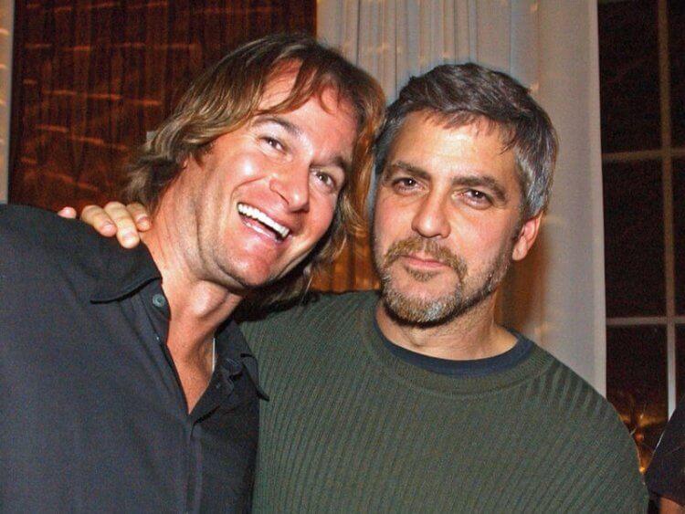 企業家蘭德葛伯 (Rande Gerber) 與克隆尼是多年好友。