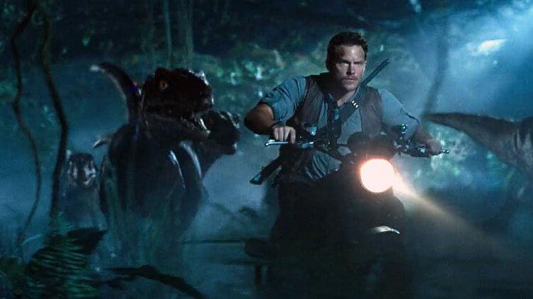 克里斯普瑞特主演的《侏羅紀世界》預告也透露關鍵訊息。
