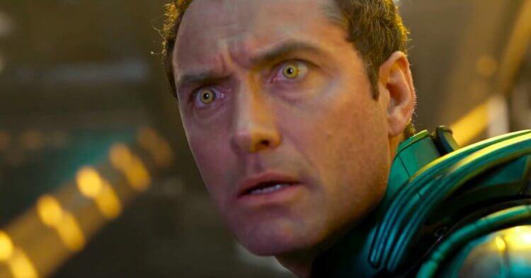 裘德洛也跟隨小勞勃道尼的腳步加入漫威電影《驚奇隊長》。