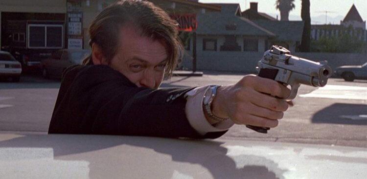 史蒂夫布希密在昆汀塔倫提諾電影《霸道橫行》中飾演 Mr. Pink。