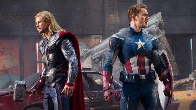 「雷神索爾」克里斯漢斯沃以及「美國隊長」克里斯伊凡曾上演互換武器的戲碼。