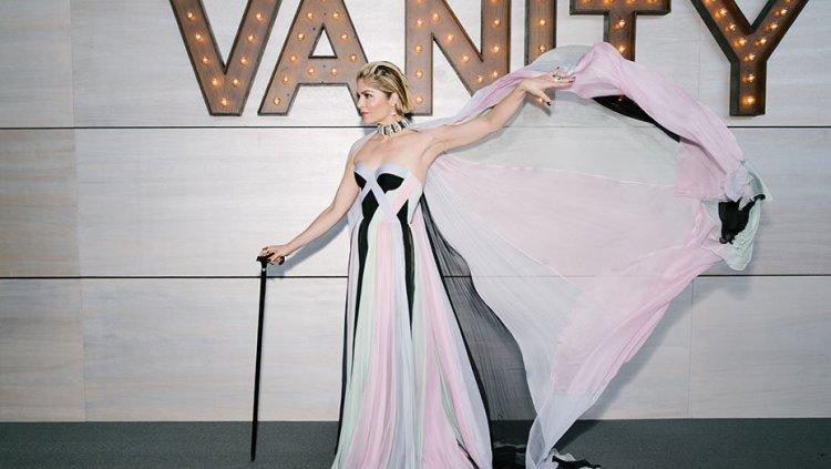 莎瑪布萊兒在浮華世界雜誌所舉辦的奧斯卡會後趴拄著手杖現身,氣場毫無倦態。
