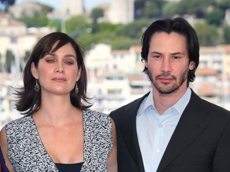 基努李維 (Keanu Reeves) 與凱莉安摩絲 (Carrie-Anne Moss) 將回歸飾演尼歐 (Neo) 與崔妮蒂 (Trinity)。