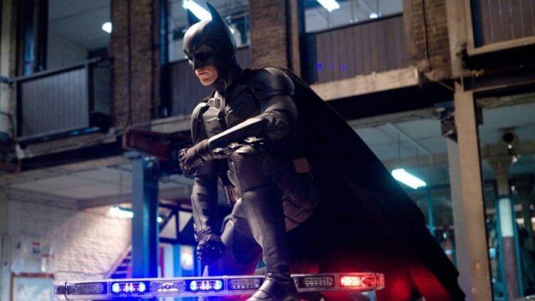 克里斯汀貝爾主演的《蝙蝠俠:黑暗騎士》在上映時票房、評價均獲得好評。