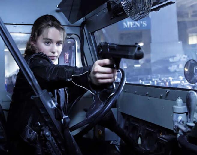 《魔鬼終結者:創世契機》中,由艾蜜莉亞克拉克飾演的莎拉康納。