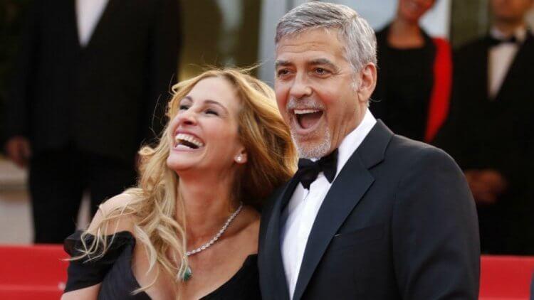 好萊塢女星茱莉亞羅勃茲 (Julia Roberts) 與克隆尼是好友,曾一起合作演出過電影《金錢怪獸》。