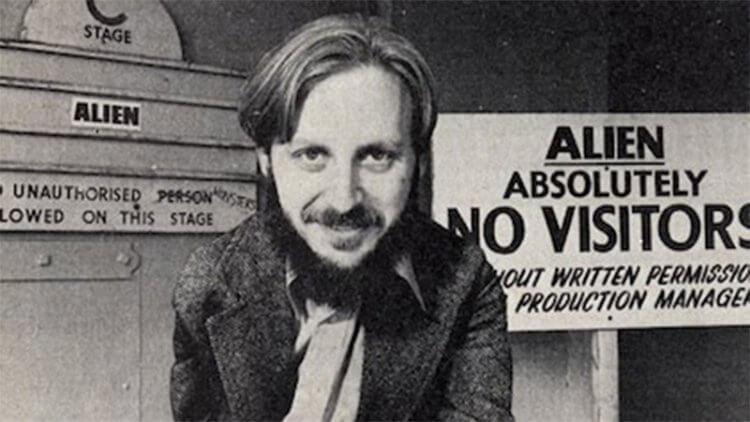 丹歐班農曾為多部《異形》電影撰寫劇本。