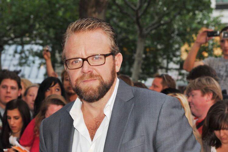 喬卡納漢原訂是《秘境探險》的電影導演,後來遭到撤換。