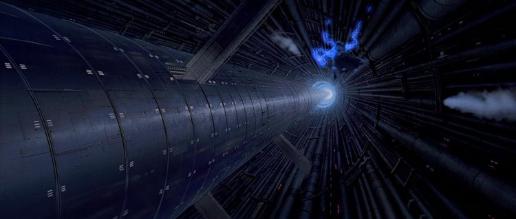 西斯大帝遭到達斯維德 (Darth Vader) 丟入第二死星的反應爐心,但最後並未身亡。