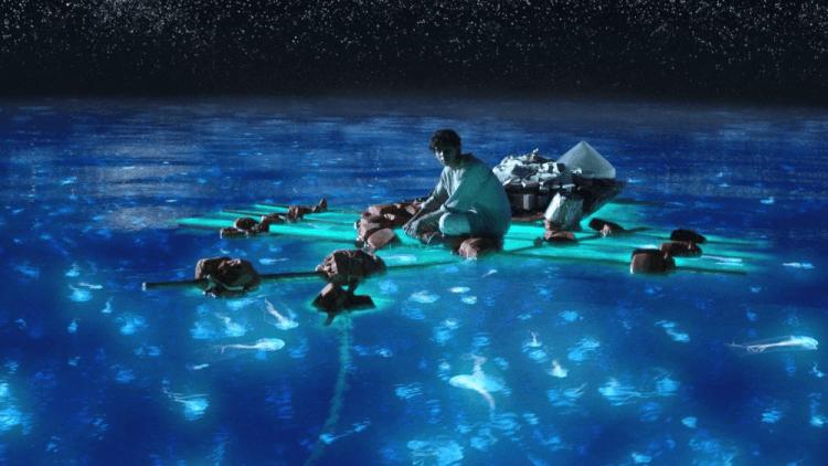 2012 年電影《少年 Pi 的奇幻漂流》中如夢似幻的海天晨昏景色,似乎還未能完整傳達李安導演理想中的畫面。