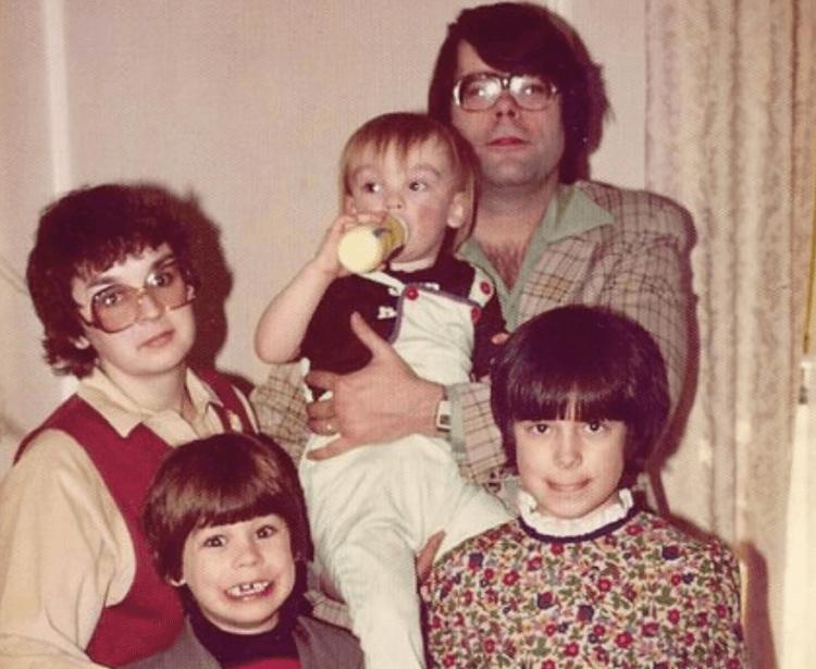 史蒂芬金一家,幾乎全家都是作家。