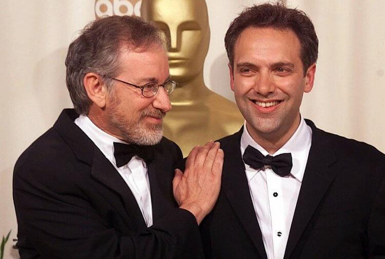 史蒂芬史匹柏 (Steven Spielberg) 提拔許多導演。