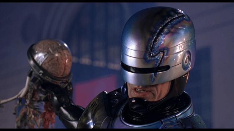 1990 年《機器戰警 2》劇照。