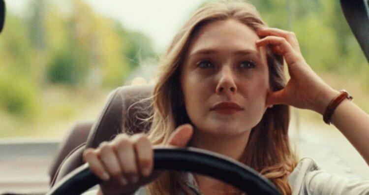 伊莉莎白歐森 (Elizabeth Olsen) 必須當姊姊們的司機