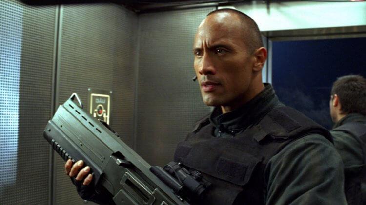 同樣為經典電玩遊戲改編的真人電影《毀滅戰士》也曾請來巨石強森跨刀演出。