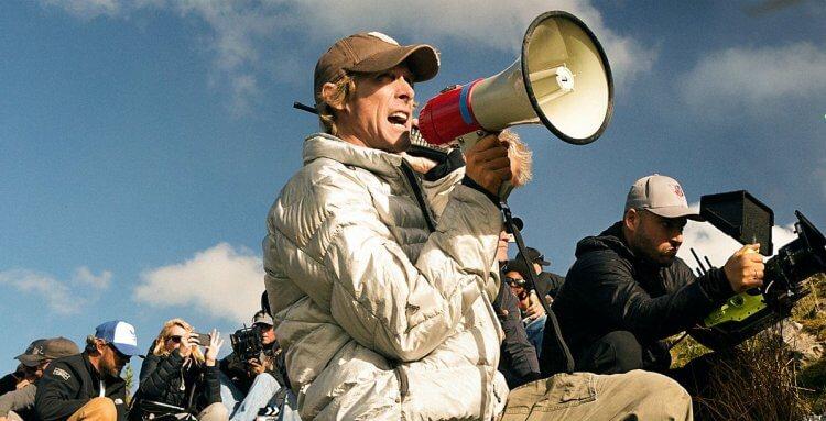 《鬼影特攻:以暴制暴》導演麥可貝。