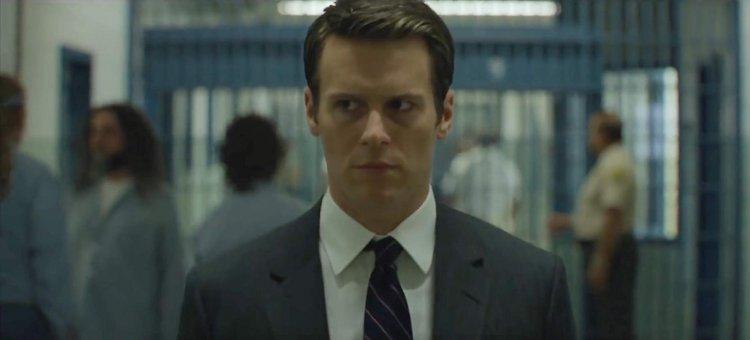 強納森葛洛佛(Jonathan Groff) 飾演有點高功能障礙傾向探員「霍頓福特」