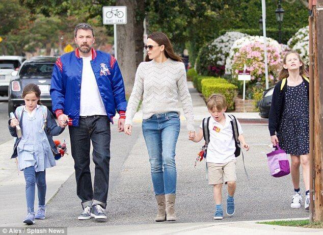 小班與前妻珍妮佛嘉納擁有三個孩子。