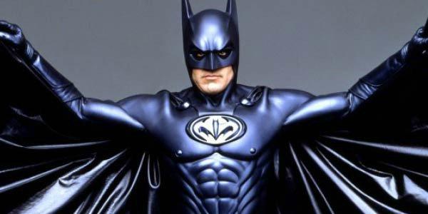 喬治克隆尼扮演的蝙蝠俠外型。