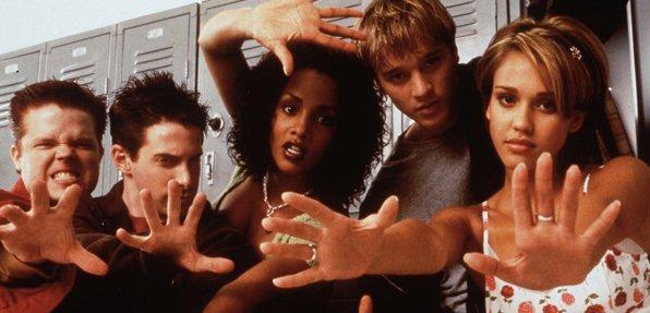 1999 年由羅德曼弗蘭德 (Rodman Flender) 拍攝的《魔掌》,由戴文沙瓦 (Devon Sawa) 、潔西卡艾芭所共演。