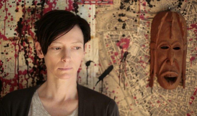 蒂妲絲雲頓在 2011 年電影《凱文怎麼了》(We Need to Talk About Kevin) 中飾演犯下罪行的主角凱文的母親。