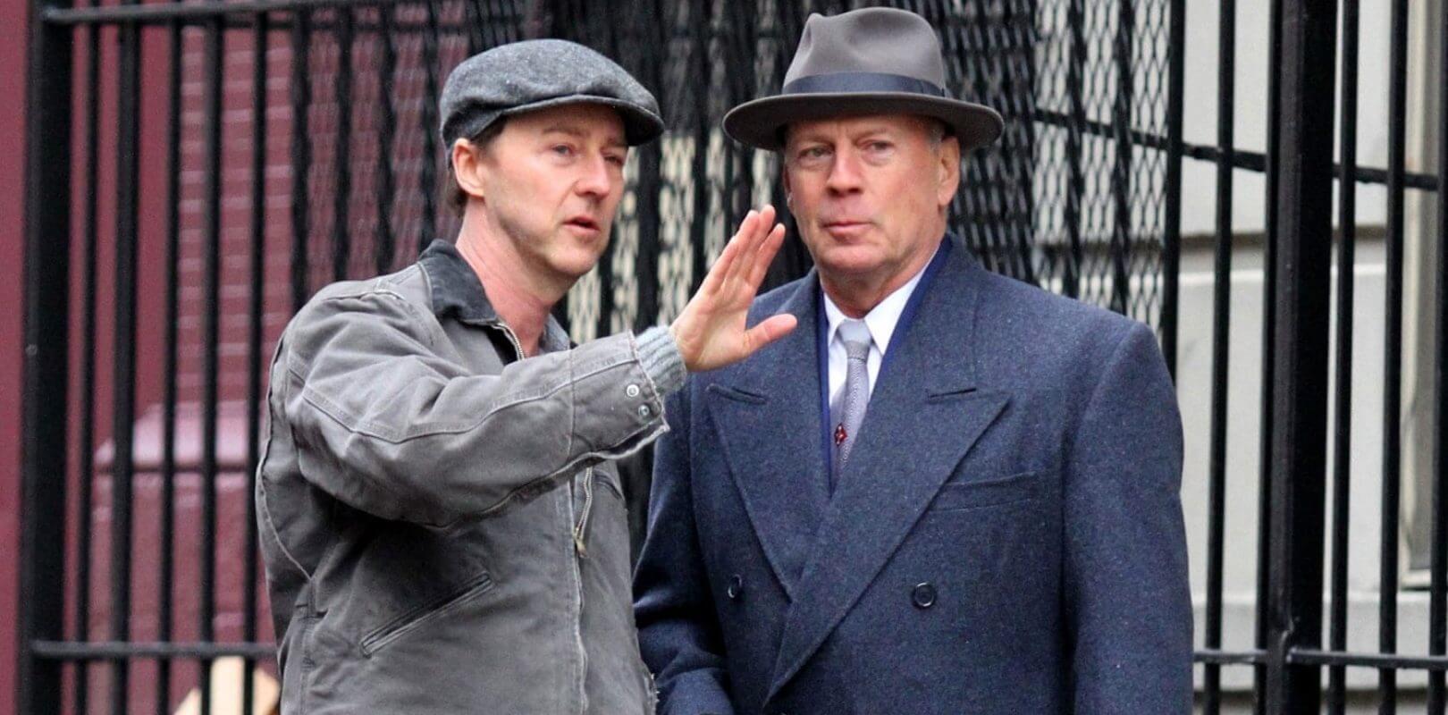 布魯斯威利演出電影《布魯克林孤兒》。