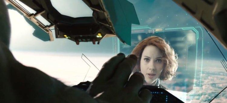 《復仇者聯盟 2:奧創紀元》浩克最後選擇離開黑寡婦、離開地球。