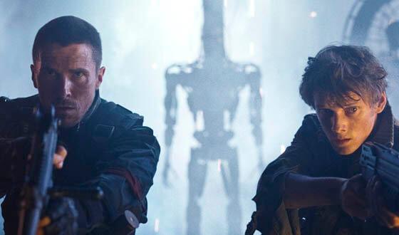 你不會在 2009 年的《魔鬼終結者:未來救贖》中看到阿諾──本片由克里斯汀貝爾主演。