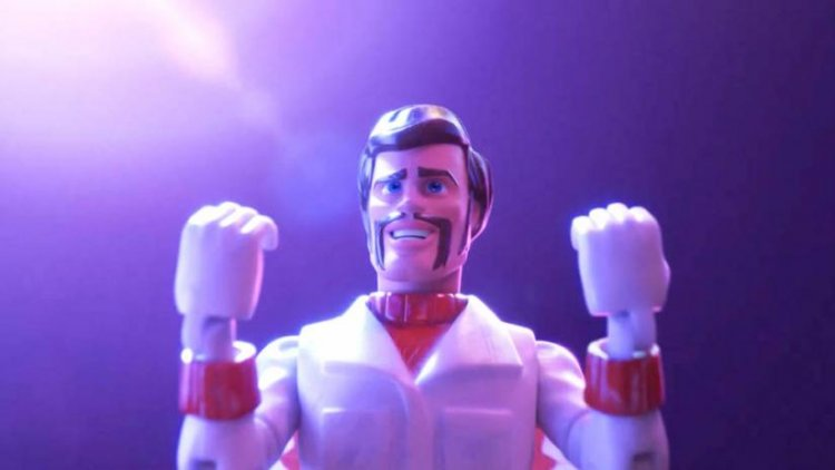 基努李維替《玩具總動員 4》配音演出逗趣新角色「卡蹦公爵」。