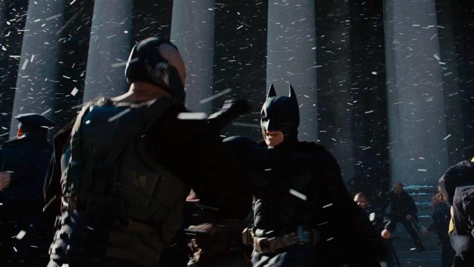 克里斯多福諾蘭執導的 DC 超級英雄電影《黑暗騎士:黎明昇起》。