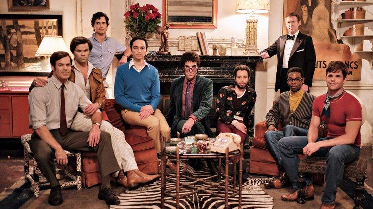 《男孩夜派對》50 週年,電影版躍上 Netflix!「謝爾頓」吉姆帕森斯等九位出櫃男神,同台詮釋 60年代紐約同志生活首圖