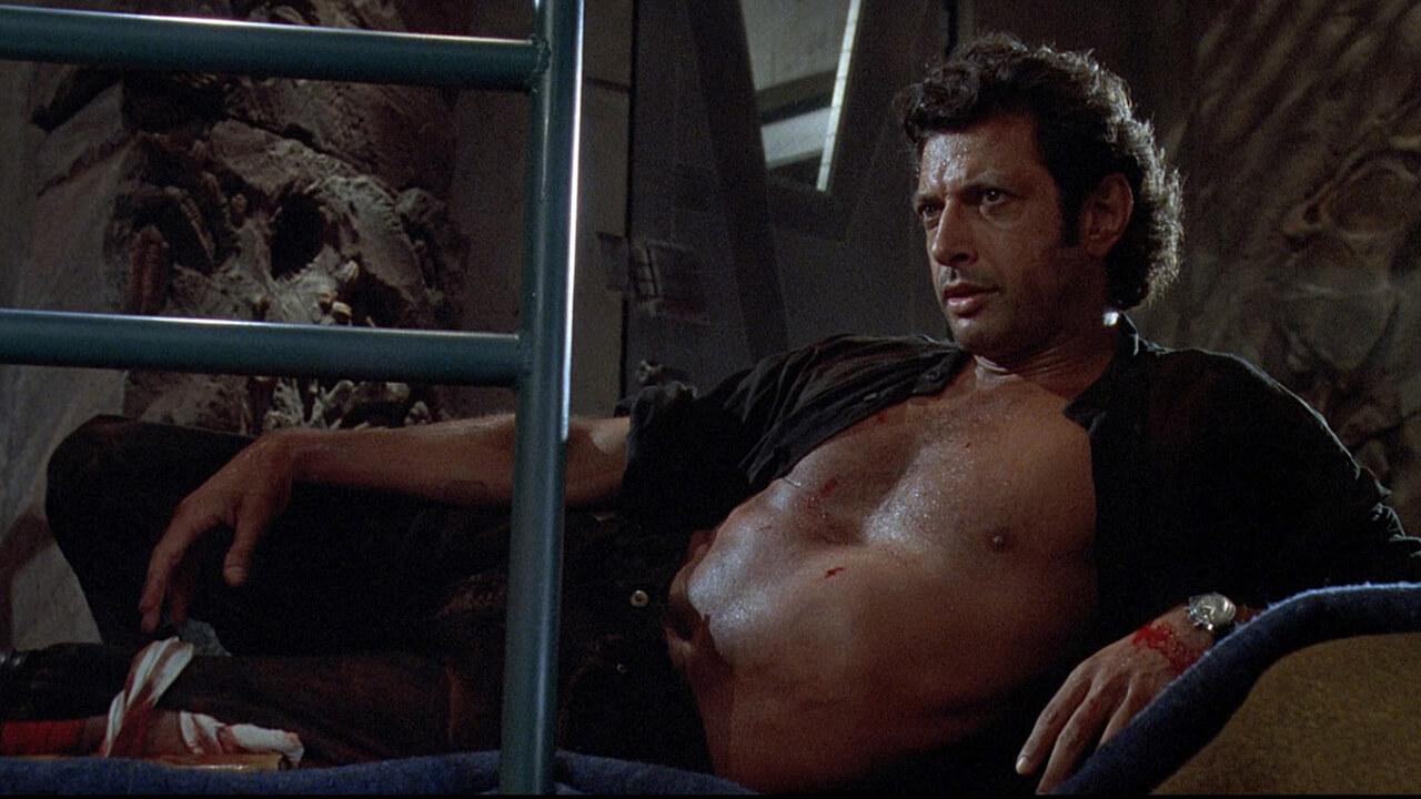 【電影背後】傑夫高布倫《侏羅紀公園》露肚坦胸照瘋傳!只要他想,恐龍也會被逗笑