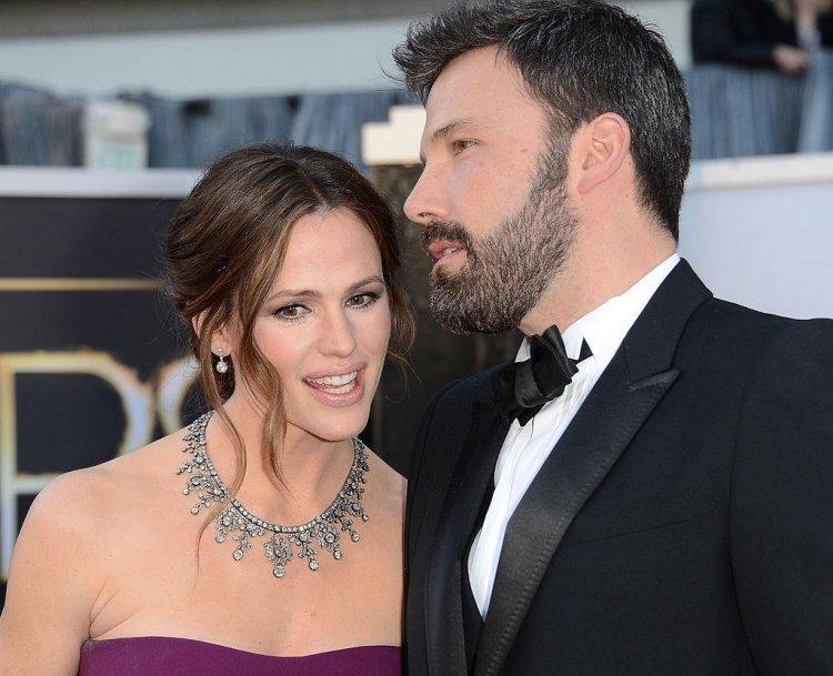 班艾佛列克與前妻珍妮佛嘉納的婚姻已在 2018 年告一段落。