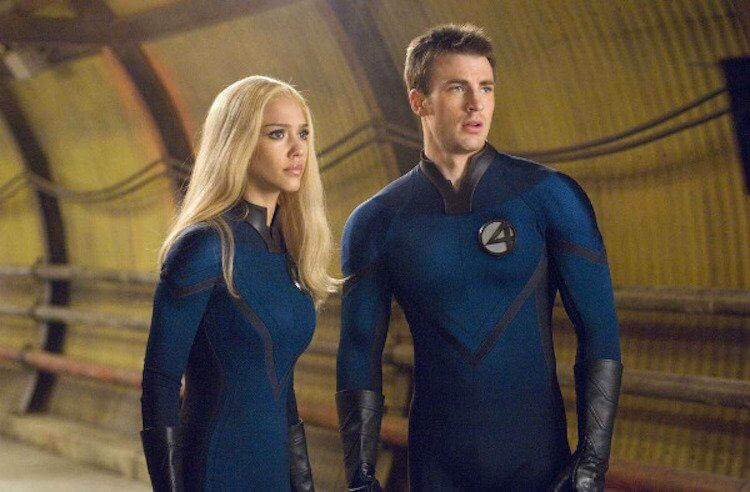 潔西卡艾芭曾在2005年推出的《驚奇4超人》中飾演「隱形女」。