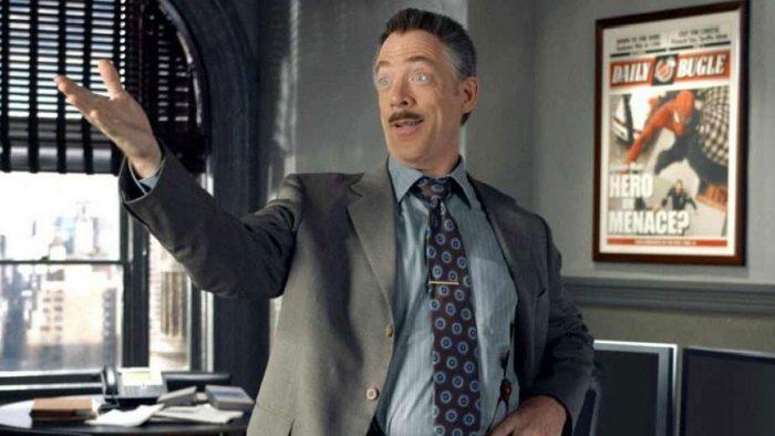 《蜘蛛人:離家日》片尾片段中請來 JK 西蒙斯再度飾演《號角日報》總編輯 J 喬納詹姆森。