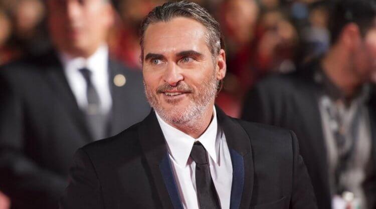 以《小丑》擒下威尼斯影展金獅獎後,主演的瓦昆菲尼克斯在多倫多影展獲頒演員成就獎。
