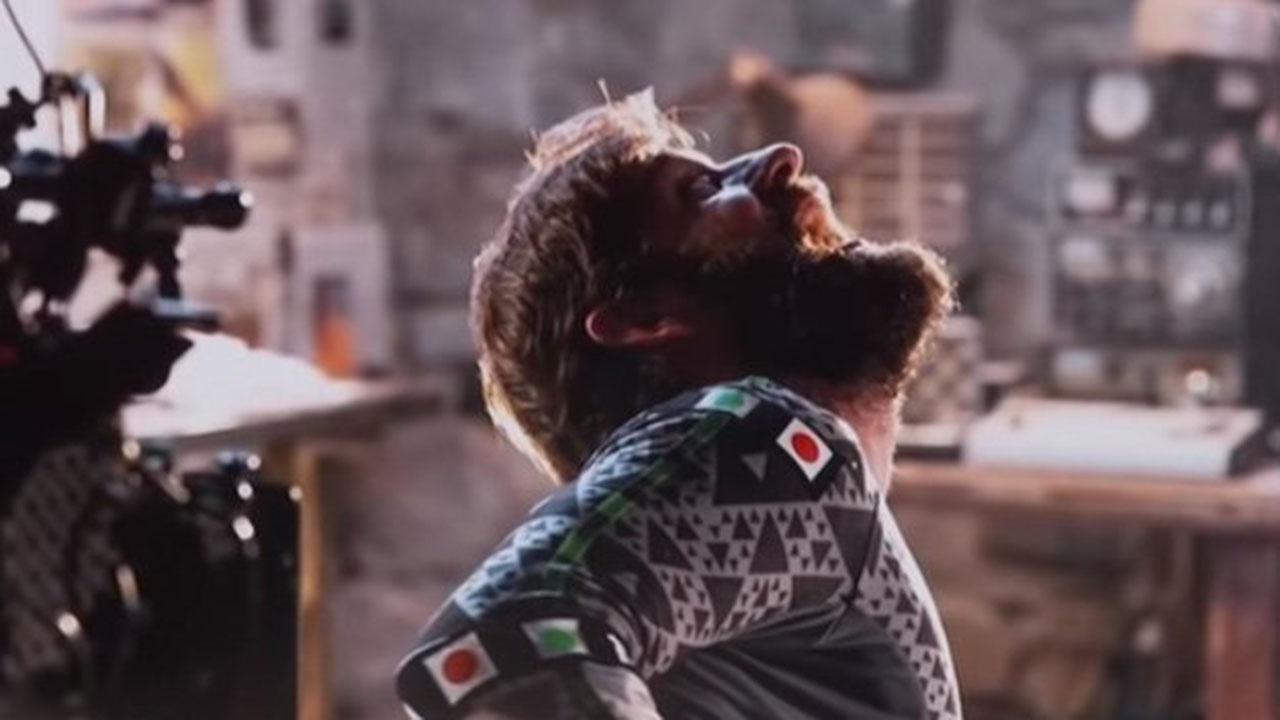 《噤界》導演約翰卡拉辛斯基 :「我就是怪物本人啦!」首圖