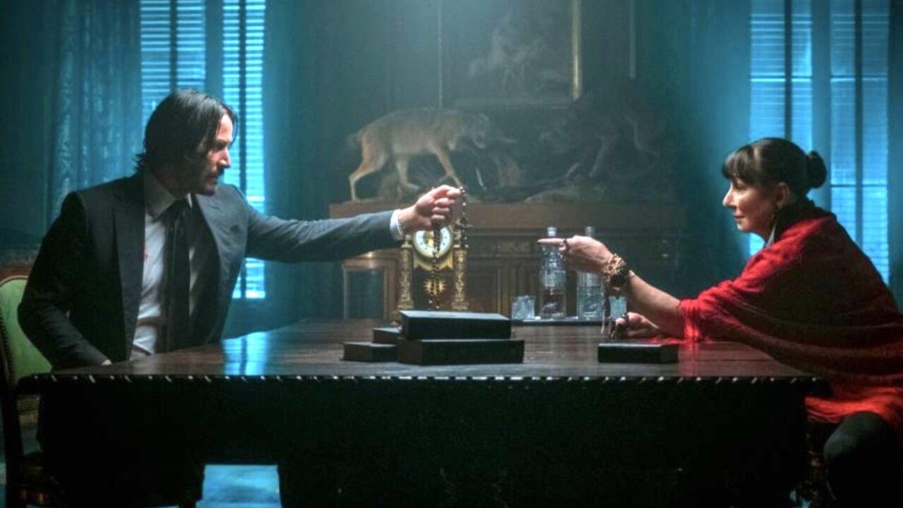 基哥對尬魔帝女?《捍衛任務 3》全新劇照不斷釋出,「Director」安潔莉卡休斯頓登場!首圖