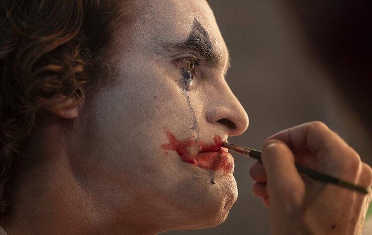 瓦昆菲尼克斯版《小丑》由陶德菲利普執導,將於 第 76 屆威尼斯影展首映並角逐金獅獎。