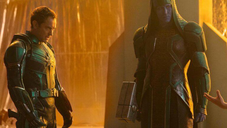 《驚奇隊長》中由裘德洛(左)飾演的「Starforce」指揮官,真實身分與目的令粉絲熱議不斷。