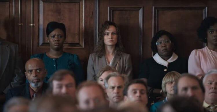「驚奇隊長」布麗拉森也有參與《不完美的正義》的演出,飾演勇於為華特發聲的人權鬥士。
