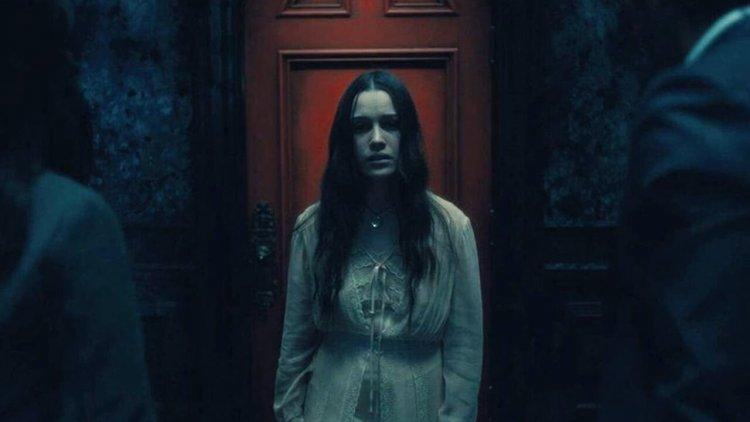 Netflix《鬼入侵》第二季《鬼莊園》劇照釋出!劇情改編文學史上的知名恐怖小說《碧廬冤孽》首圖
